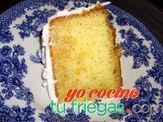Bizcocho Típico de Puerto Rico con sirop de brandy. La receta es muy buena y fácil de hacer. ~ Puertorican cake recipe.