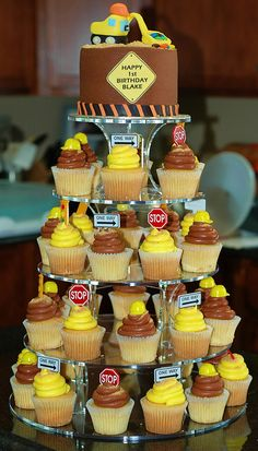 Construction theme cupcake tower. Easy cupcake toppers next yr. Google. Copy. Paste on cardstock.