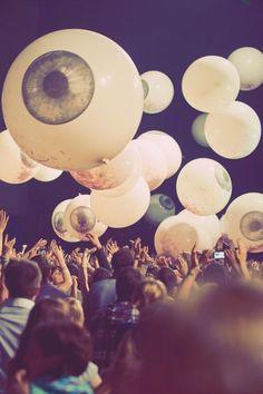 Balloon Throw: Cool idea but I'll use colourful balloons instead of eyeball balloons, lol.