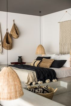 Scandi bedroom with bamboo/straw accents