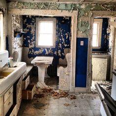 "9 Likes, 2 Comments -  (@jacquiiiii) on Instagram: ""#abandoned #abandonedadventures #kitchen"""