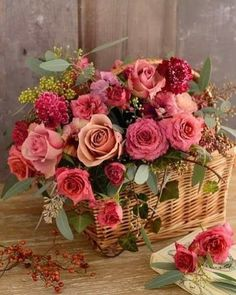 Trendy Ideas For Birthday Flowers Bouquet Beautiful Roses Floral Arrangements Flowers Roses Bouquet, Rose Bouquet, Pretty Flowers, Pink Roses, Wedding Flowers, Deco Floral, Arte Floral, Beautiful Flower Arrangements, Floral Arrangements
