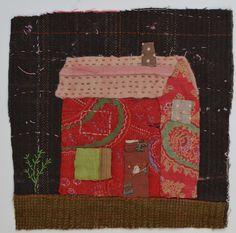 Petite maison. Brodé et doublure Textile par MandyPattullo sur Etsy