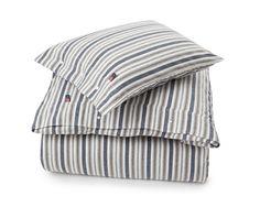 Ropa de cama compuesta por funda nórdica y funda de almohada de la colección otoño de Lexington Company de 2016.