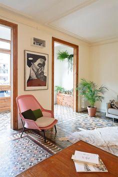 Un gran piso de 1910 en Barcelona y sus suelos hidráulicos… · A 1910 apartment in Barcelona (and some amazing cement floors)