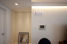 전주 신시가지 아이파크 아파트 인테리어 Dorm, Wall Lights, Mirror, Lighting, Furniture, Home Decor, Instagram, Dormitory, Appliques