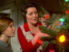 30 2014 11 01am quot the homecoming a christmas story quot patricia neal as