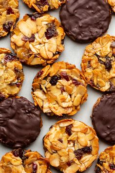 Chocolate Avocado Brownies, Chocolate Covered Bananas, Blueberry Crumble Bars, Strawberry Oatmeal Bars, Quick Healthy Desserts, Great Desserts, Peanut Butter Substitute, Florentines Recipe, Get Thin