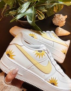 Sneaker Outfits, Converse Sneaker, Puma Sneaker, Cute Sneakers, Sneakers Mode, Sneakers Fashion, Sneakers Street Style, White Nike Shoes, Vans Shoes