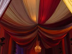 Moroccan Room D�cor for Terrace and Porch: Moroccan Room Decor Typical Tent Ceiling Stripes Motives Crystal Chandelier Sweet Sense ~ dickoatts.com Terrace Designs Inspiration