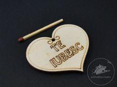 Figurina din lemn - inimioara - te iubesc - 5,5x4,5 cm Personalized Items, Creative, Figurine