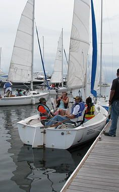 Learn how to sail a boat.....do sailboat camp in Alexandria with the kiddos. A hobby my Dad always loved xo