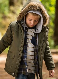 This Pumpkin Patch outfit consists of padded anorak parka, oversize hooded shirt, engineered stripe tee, enginereed seamed jeans.