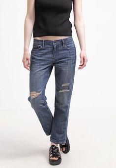 #Slim #Fit Jeans - Die #Destroyed #Effekte in Kombination mit dem #Boyfriend #Schnitt macht die #Jeans zu einem lässig coolen #Begleiter ♥ ab 48,95 €