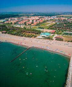 Itálie, Caorle, Lido Altanea, pobyty u moře, dovolená s dětmi. Hotely, apartmány, mobilhomy. Slunce, moře, písečná pláž, bazény, zmrzlina, pizzerie, procházky, zábava. Nejlepší dovolená, vhodné pro rodiny s dětmi. City Photo, River, Outdoor, Outdoors, Outdoor Games, The Great Outdoors, Rivers