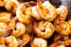 showing how to make laksa by sauteeing shrimp Laksa Soup Recipes, Laksa Recipe, Cheesecake Factory Copycat, Minced Meat Recipe, Bang Bang Shrimp, Carlsbad Cravings, Chicken And Shrimp Recipes, Malaysian Food, Coconut Curry