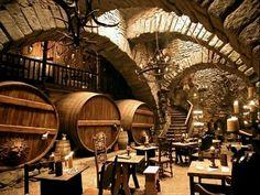 Une autre partie de la taverne du château de Crepsley.