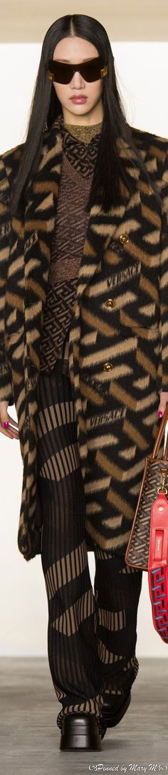 Versace Fashion, Beautiful Outfits, Most Beautiful, Cool Style, Fur Coat, 21st, Fall Winter, Coats, Couture