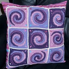 Customers work: Spiral-Granny-cushion - a dream in purple