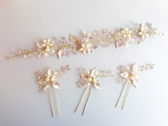 Hey, I found this really awesome Etsy listing at https://www.etsy.com/listing/227666813/rose-gold-bridal-headband-pearls