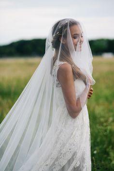 Kisui Berlin – Oui Kollektion 2016 - Another! Red Wedding Flowers, Flower Crown Wedding, Wedding Veils, Wedding Day, Kinfolk Wedding, Wedding Channel, Crown Hairstyles, Princess Wedding Dresses, Marie