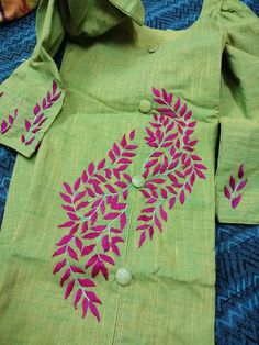 Hand Embroidery Patterns Flowers, Border Embroidery Designs, Kurti Embroidery Design, Basic Embroidery Stitches, Hand Embroidery Videos, Simple Embroidery, Embroidery On Kurtis, Hand Embroidery Dress, Embroidery Fashion