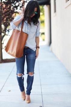 Chambray popover with destroyed jeans