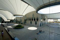 http://www.phaidon.com/resource/dadong-art-centre-by-mayu-architects03.jpg