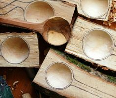So you want to learn how to whittle, eh? Well this guest post will get you on the road from beginner to bearded whittling master!Most people wouldn't think it, but woodcarving is an outlet for artistic expression, and is surprisingly relaxing! Diy Wood Projects, Wood Crafts, Dremel Projects, Carved Spoons, Bois Diy, Wood Spoon, Ideias Diy, Diy Holz, Wood Working For Beginners