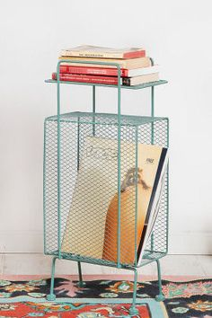 Practical, stylish and not costing a fortune. That's why we like this retro-style Turquoise Mini Storage Rack at Urban Outfitters. Lounge Design, Decoration Design, Deco Design, Bad Inspiration, Interior Inspiration, Design Sites, Home Furniture, Furniture Design, Furniture Chairs