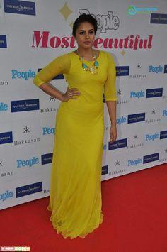 Frock Dress, Saree Dress, Saree Blouse, Bollywood Actress Hot, Indian Bollywood, Huma Qureshi Hot, Bengali Saree, Zarine Khan, Indian Heritage