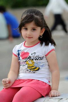 Best Cute Girls Display Picture Ever Cute Baby Boy Photos, Cute Little Baby Girl, Cute Kids Pics, Baby Boy Pictures, Cute Girl Pic, Cute Baby Girl Wallpaper, Cute Babies Photography, Beautiful Children, Beautiful People