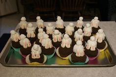 Cute little bunny bums and toes...a lot of fun to make and really tasty.  This was my first try...I think they were successful.  I got the idea from    ...    http://www.spendwithpennies.com/bunny-butt-cupcakes/