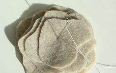 Bufanda de fieltro Para todas la mujeres, que bonito se ve una bufanda , pero no cualquier bufanda sino una especial hecha por nosotras ...