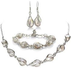 Unusual Freshwater Pearl Set, Necklace, Bracelet and Earrings $19.99