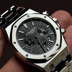 Audemars Piguet Royal Oak @majordor.com #majordor #audemarspiguet #audemarspiguetroyaloak #luxurywatches #watches | www.majordor.com