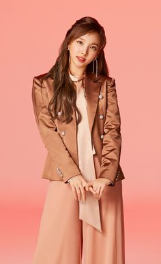 Twice Japan Album-Nayeon Kpop Girl Groups, Korean Girl Groups, Kpop Girls, Fake True, Twice Photoshoot, Rapper, Twice Album, Nayeon Twice, Twice Kpop