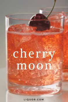 This vodka cocktail is bubbly and sweet, making it a great happy hour cocktail. Make this simple cocktail that's great all year round. Put a cherry kick in your vodka cocktail. Easy Cocktails, Cocktail Drinks, Cherry Cocktails, Easy Vodka Drinks, Mixed Alcoholic Drinks, Coconut Vodka Drinks, Cherry Vodka Sour, Flavored Vodka Drinks, Italian Cocktails