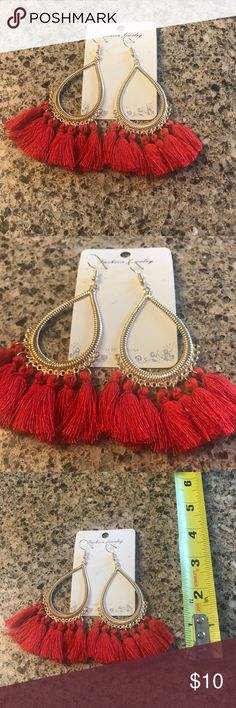 💕Valentine's sale!💕 🌹RED TASSEL EARRINGS New. Never worn. Gold with red tassels Jewelry Earrings