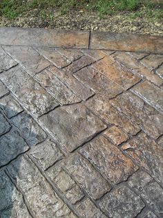 stamped concrete for a patio/walkway/driveway Stamped Concrete Patterns, Stamped Concrete Driveway, Cement Patio, Concrete Driveways, Concrete Floors, Patio Stone, Flagstone Patio, Concrete Stamping, Walkways