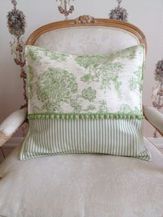 French Country Pillow Cover Green Pillow by ParisLaundryDesigns … Sewing Pillows, Diy Pillows, Decorative Pillows, Throw Pillows, Pillow Room, Pillow Shams, Cushion Covers, Pillow Covers, Paris Apartment Decor