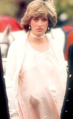 Lady Diana Princess of Wales. Photos - page 177 Princess Diana Photos, Princess Diana Family, Royal Princess, Princess Of Wales, Princesa Diana, Princesa Real, Divas, Duke And Duchess, Duchess Of Cambridge