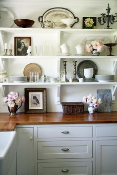 dreaming of a new kitchen…wood counter tops open shelving displayed antiques Kitchen Shelves, Diy Kitchen, Vintage Kitchen, Open Kitchen, Kitchen Ideas, Grace Kitchen, Summer Kitchen, Kitchen Display, Kitchen Cabinets