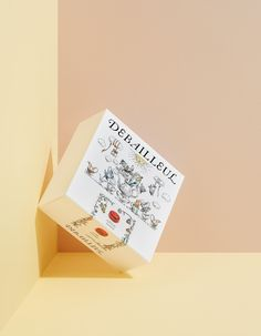 Discover the rebranding of Belgian pastry maker Debailleul. A brand story, strategy and packaging design reflecting the spirit of dedication and innovation. Brand Packaging, Packaging Design, Packaging Ideas, Food Packaging, Visual Identity, Brand Identity, Japan Branding, Pastry Display, Pastry Design