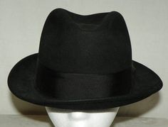 2b2b27e0f1638 Black Portis Fedora Men s Hat with Black Band Silver Beaver XXX Quality  Size 7 1