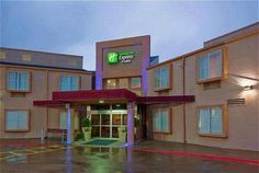 Holiday Inn Express Hotel & Suites Arlington/Six Flags Area is seconds from Six Flags Over Texas amusement park and offering free local area shuttle service, this hotel features a daily hot breakfast buffet and free Wi-Fi. Each room at the Holiday Inn Express Arlington/Six Flags Area includes a microwave and a small fridge. Tea and coffee-making facilities are available. Guests at the Arlington/Six Flags Area Holiday Inn Express can enjoy the outdoor swimming pool. Rates from $85.