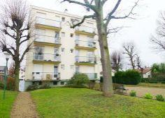 Appartement à vendre à Limeil-Brévannes : vente de 2 pièces d'une surface de 54.0 m2