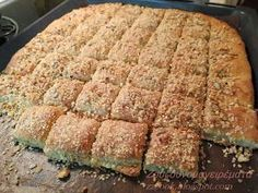 Είναι από τα ωραιότερα και νοστιμότερα τυροπιτάκια που έχω κάνει ,,,, δεν έχουν αυγά και τα φουντούκια, τα σποράκια με το σου... The Kitchen Food Network, Greek Sweets, Tasty, Yummy Food, Bread And Pastries, Greek Recipes, Food Network Recipes, Finger Foods, Food Inspiration
