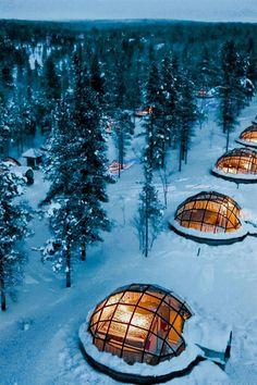 For another cool experience the Hotel Kakslauttanen located in Lapland is worth a visit. There are forty-first class log cabins available but what makes it special is the unique glass igloos that guests can stay in during winter. Hotel Aurora Boreal, Beautiful Places In The World, Beautiful Hotels, Wonderful Places, Places To Travel, Travel Destinations, Places To Visit, Glass Igloo Hotel, Hotel Europa