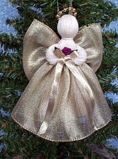 Angel Christmas Ornaments Pink and White Plaid Diy Xmas Gifts, Xmas Crafts, Craft Stick Crafts, Christmas Projects, Christmas Angel Ornaments, Christmas Hearts, Christmas Decorations, Christmas Crochet Patterns, Angel Crafts